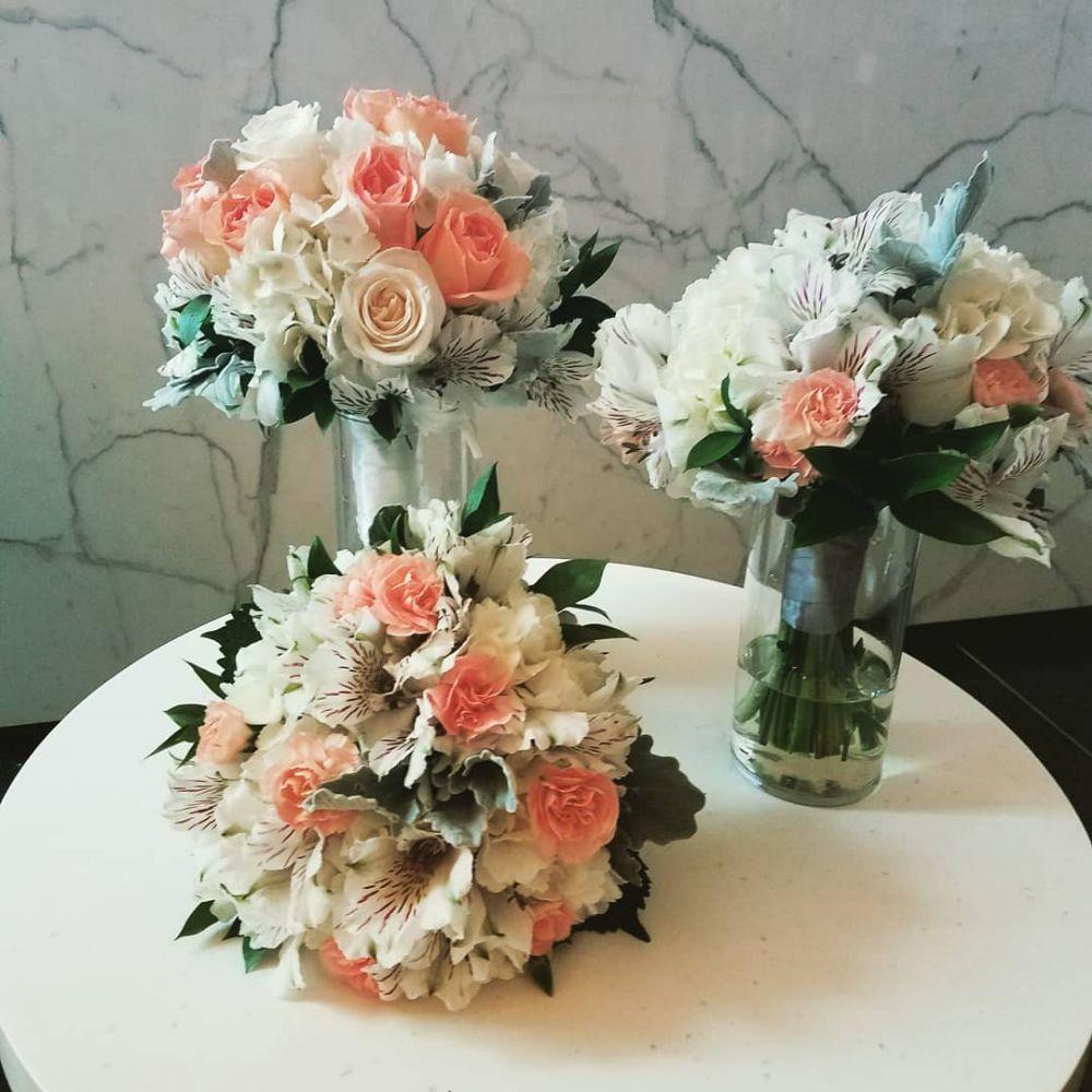 Flowers Plus 73 Photos 32 Reviews Florists 301 S Tryon St