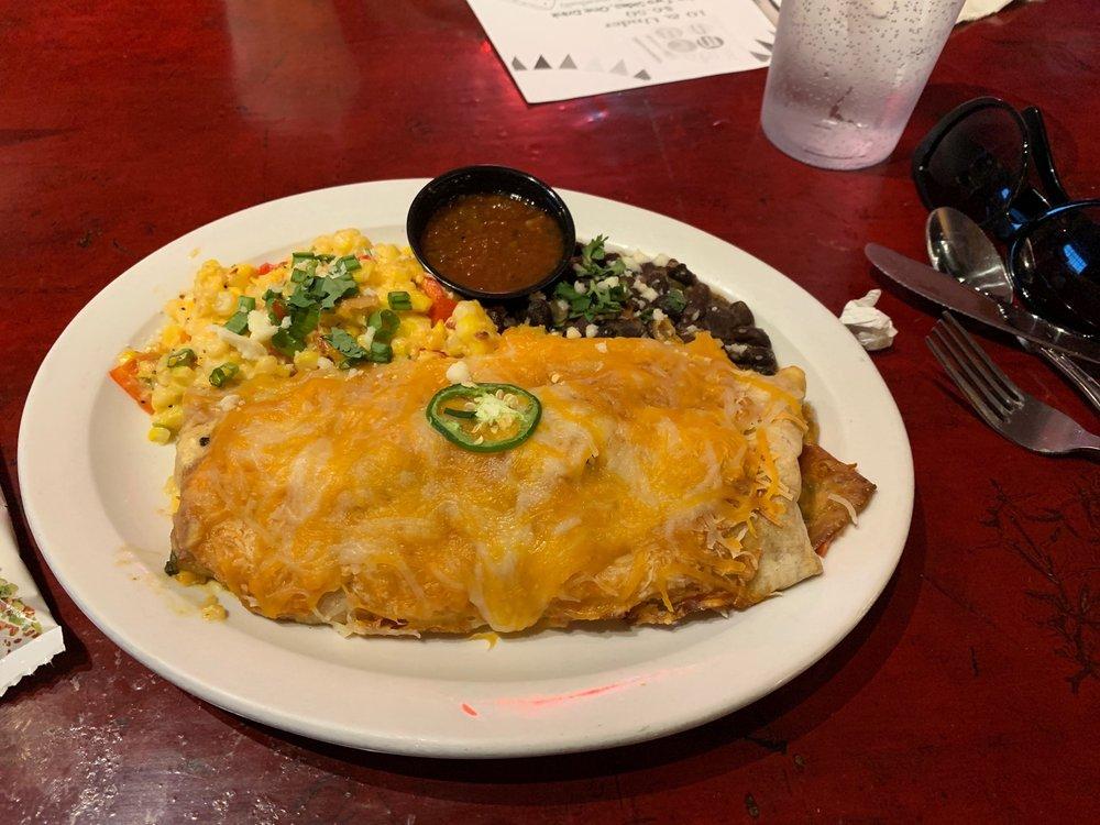 Trails Cafe & Cafe Catering: 601 Arizona Ave, Holton, KS