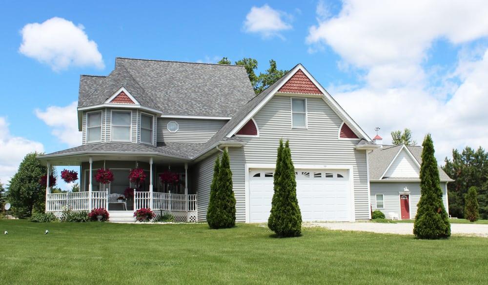 Lockhart Roofing: 3388 Torrey Rd, Flint, MI