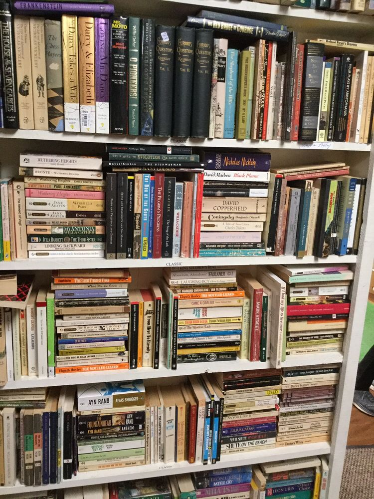 The Book Shoppe: 3120 Jenny Lind Rd, Fort Smith, AR