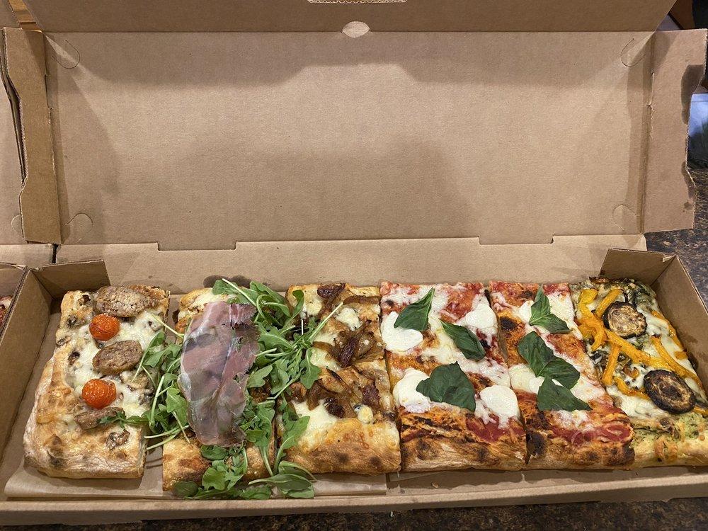 Strada Pizzeria: 109 N Broadway, De Pere, WI