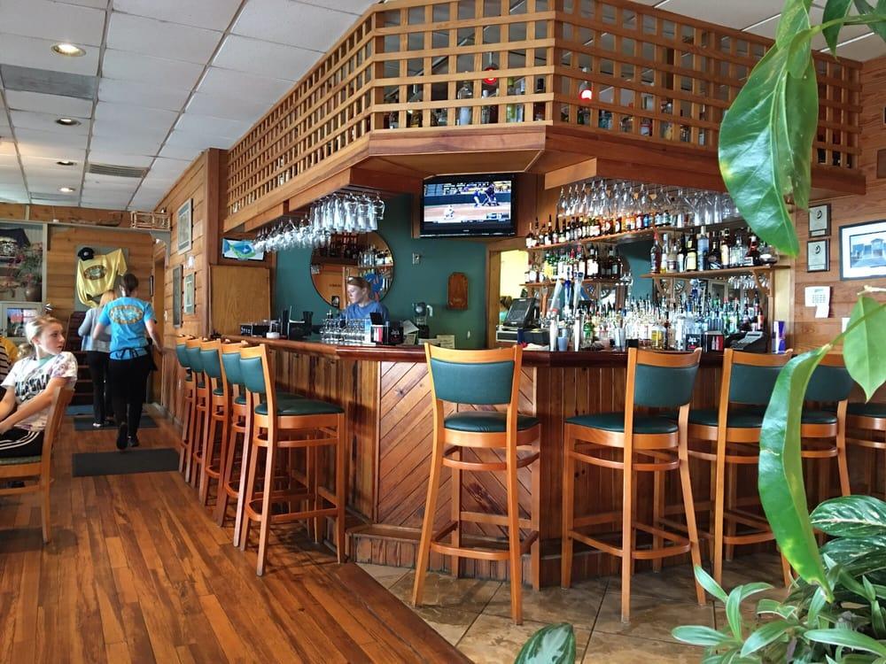 Bubba S Seafood Restaurant And Crabhouse Virginia Beach Va