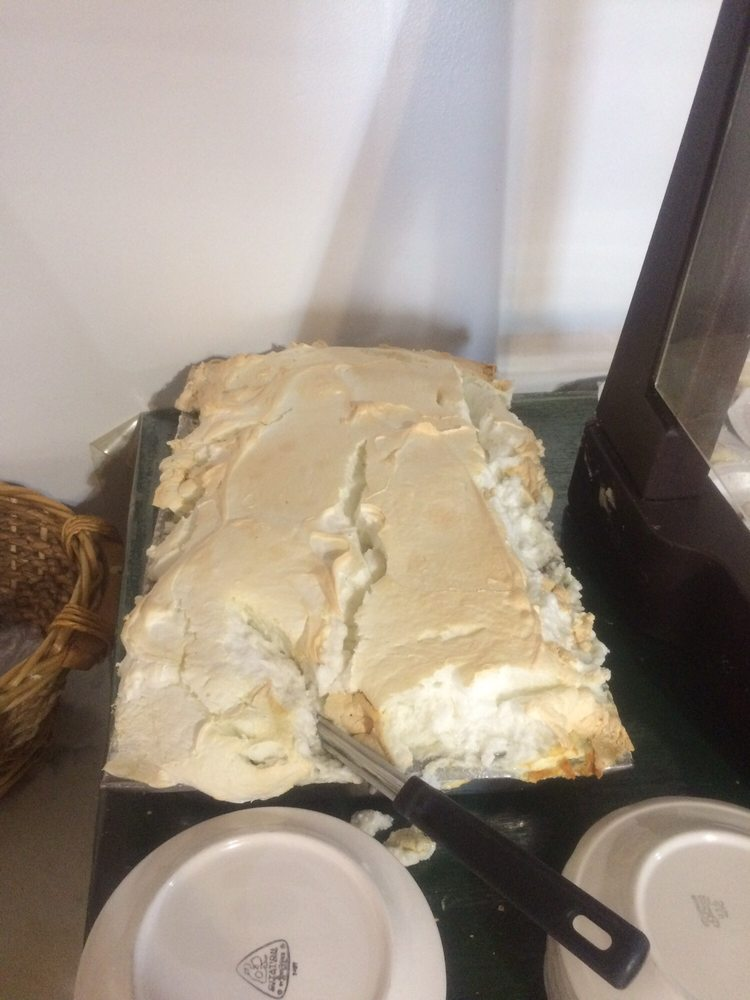 Barb's Country Kitchen & Cakery: 114 W Broad St, Eufaula, AL