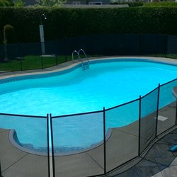 Cl ture de piscine amovible enfant s cure demander un for Protection enfant piscine