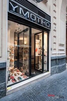 Outlet Del Salotto.Ymotho Shoe Stores Piazzetta Giulio Rodino 17 Na Italy