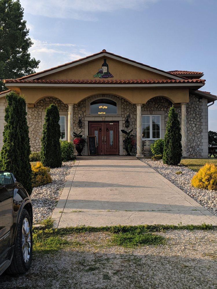Paglione Estate Winery: 724 County Road 50 E, Harrow, ON