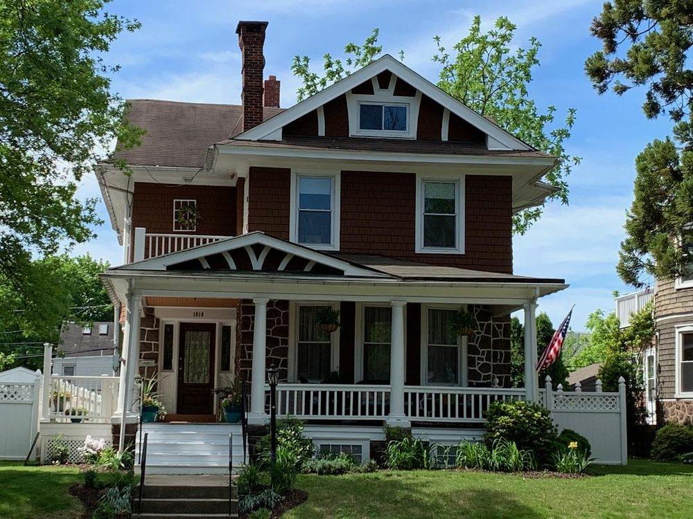 Three Daughters Inn: 1016 E Hwy St, Pottstown, PA