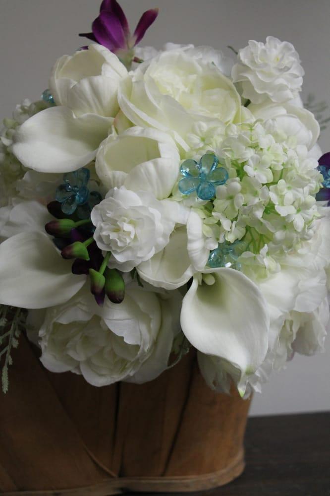 Flower Shoppe: 218 S Main St, Milbank, SD