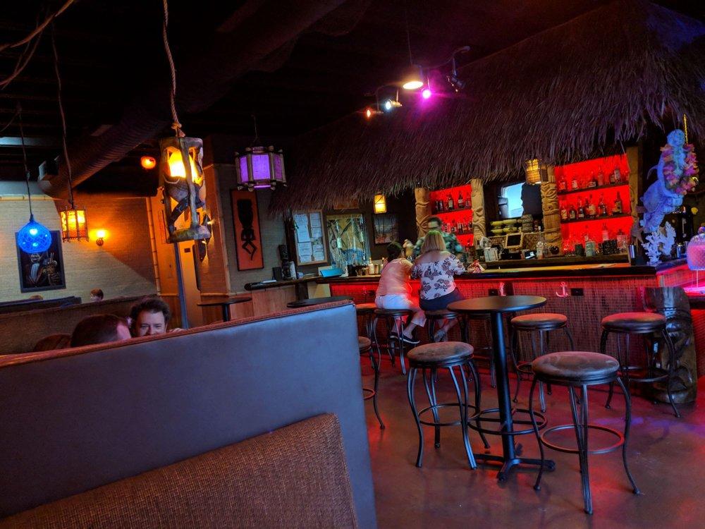 4 Kahunas Tiki Lounge
