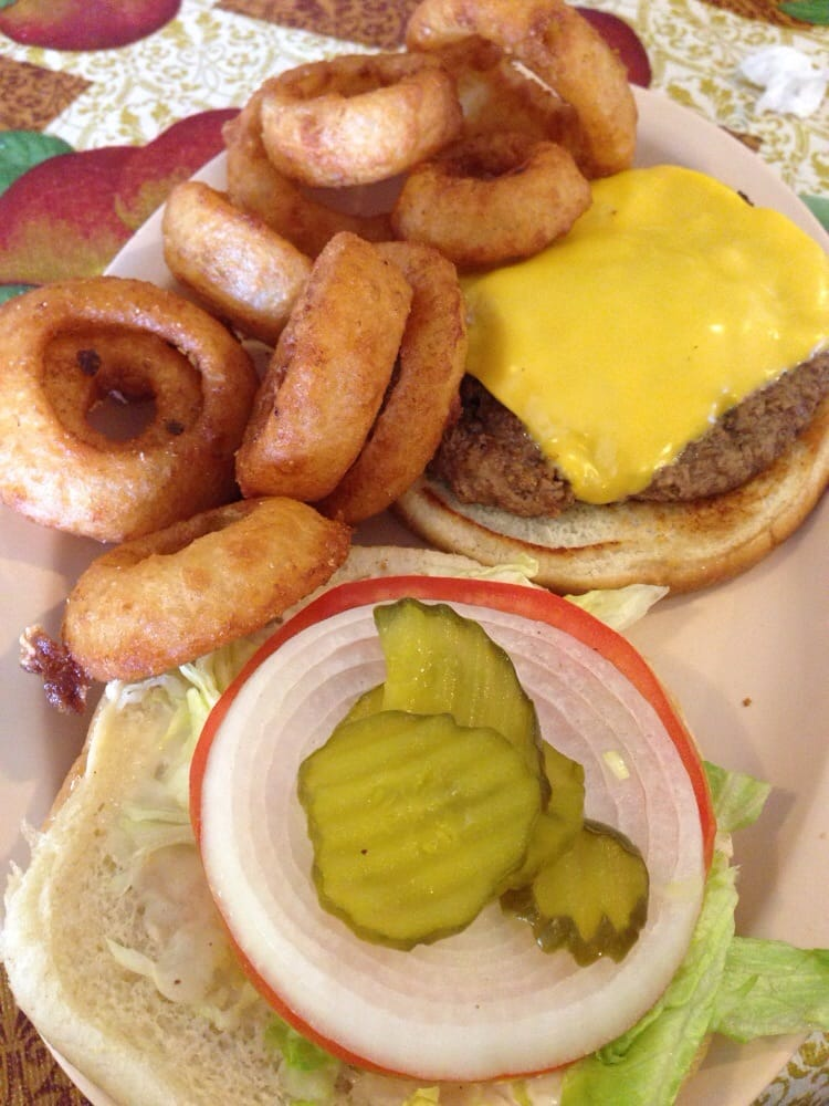 Baileyton Restaurant: 40 Baileyton Park, Greeneville, TN