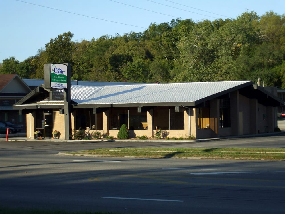 United Country Gateway Real Estate & Auction: 337 S 10th St, Atchison, KS