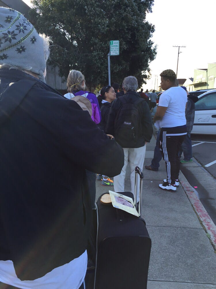 Line around the corner standing on sanpablo ave yelp for Department of motor vehicles near my location