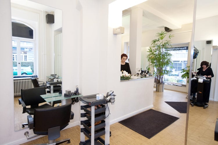 friseure ilona bausch friseur eppsteiner str 24 westend s d frankfurt am main hessen. Black Bedroom Furniture Sets. Home Design Ideas