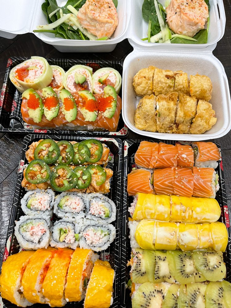 Oishi Sushi: 924 Kaliste Saloom Rd, Lafayette, LA