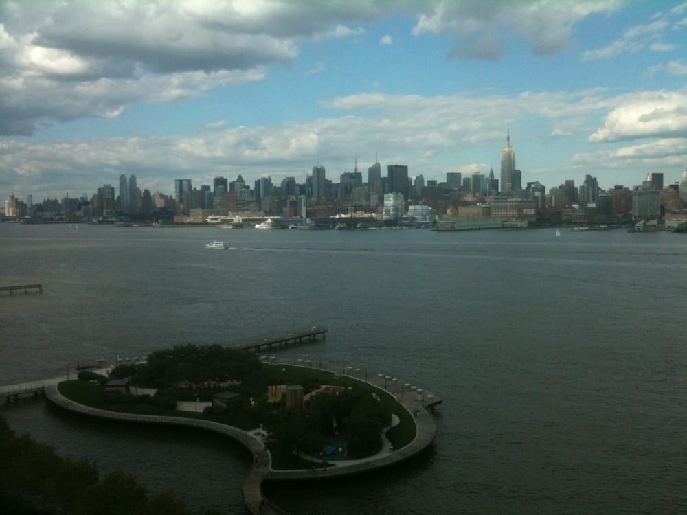 a view of the new york city skyline from the w hotel. Black Bedroom Furniture Sets. Home Design Ideas