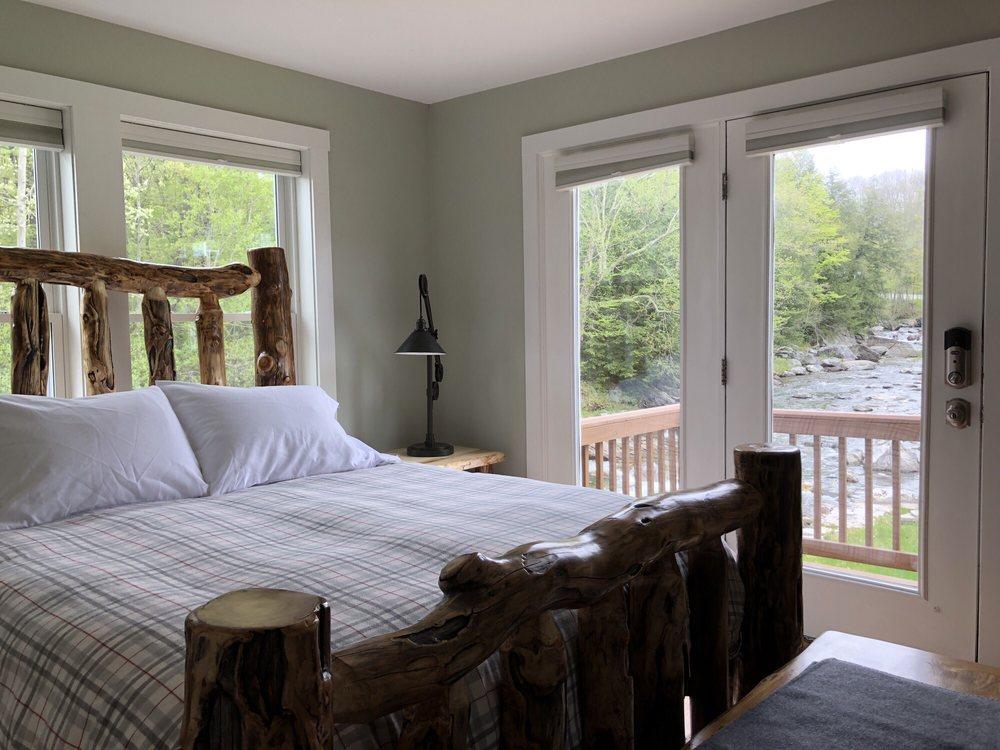 Trout River Lodge: 21 Hazens Notch Rd, Montgomery, VT