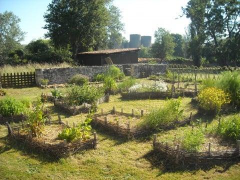 Jardin medieval botaniska tr dg rdar 7 rue eug ne for Jardin medieval