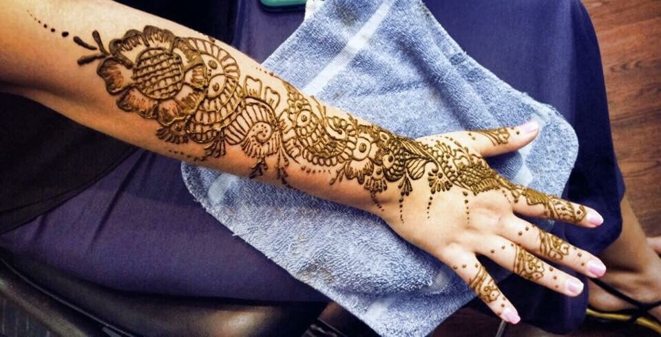 Beautiful herbal Henna tattoo by Sajida at Aisha\'s Hillcroft. These ...