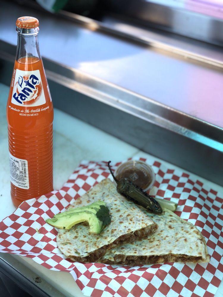 Mandos Tacos: Sun Valley Pkwy & Van Buren st, Buckeye, AZ