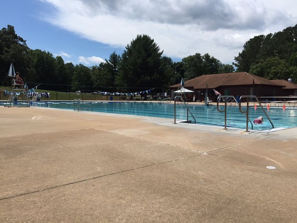 Curtis park pool swimming pools 58 jesse curtis ln fredericksburg va yelp for Dixon park swimming pool fredericksburg va
