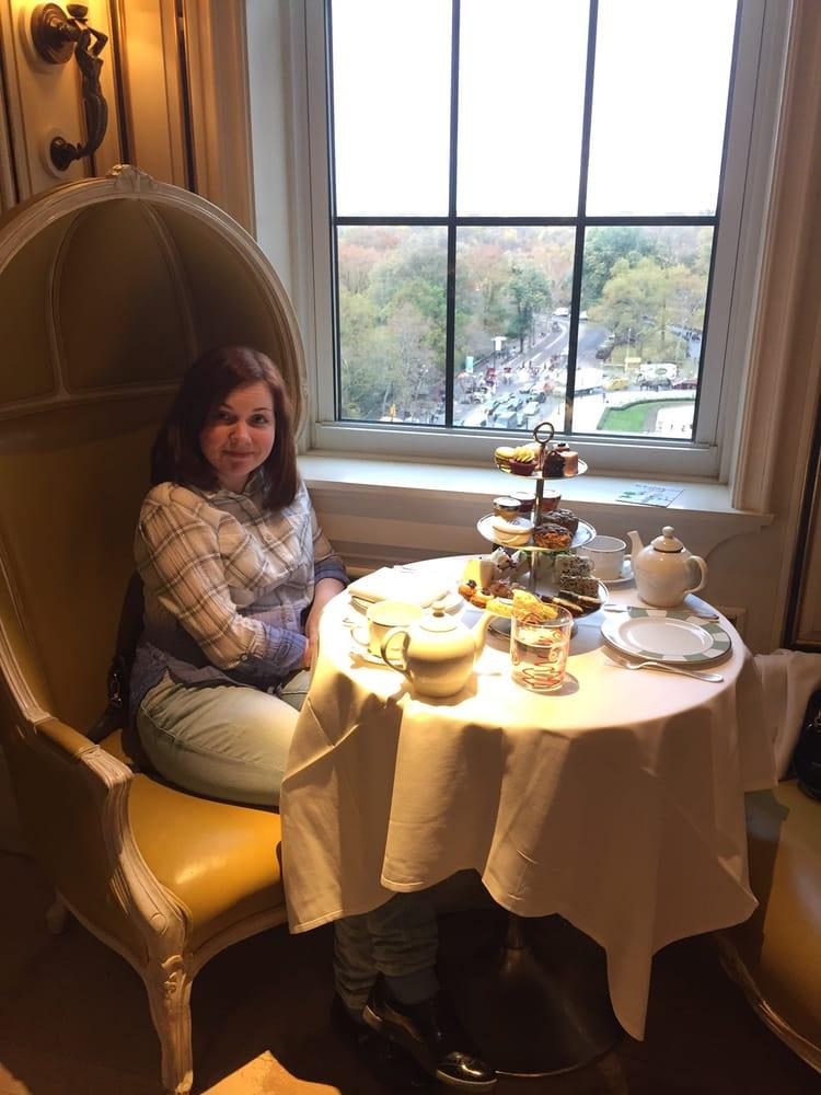Afternoon tea at bergdorf goodman restaurant whispering