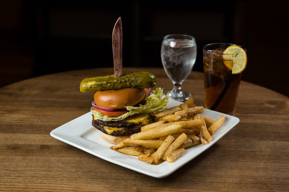 River Rock Kitchen and Tap: 450 Main St, Dubuque, IA