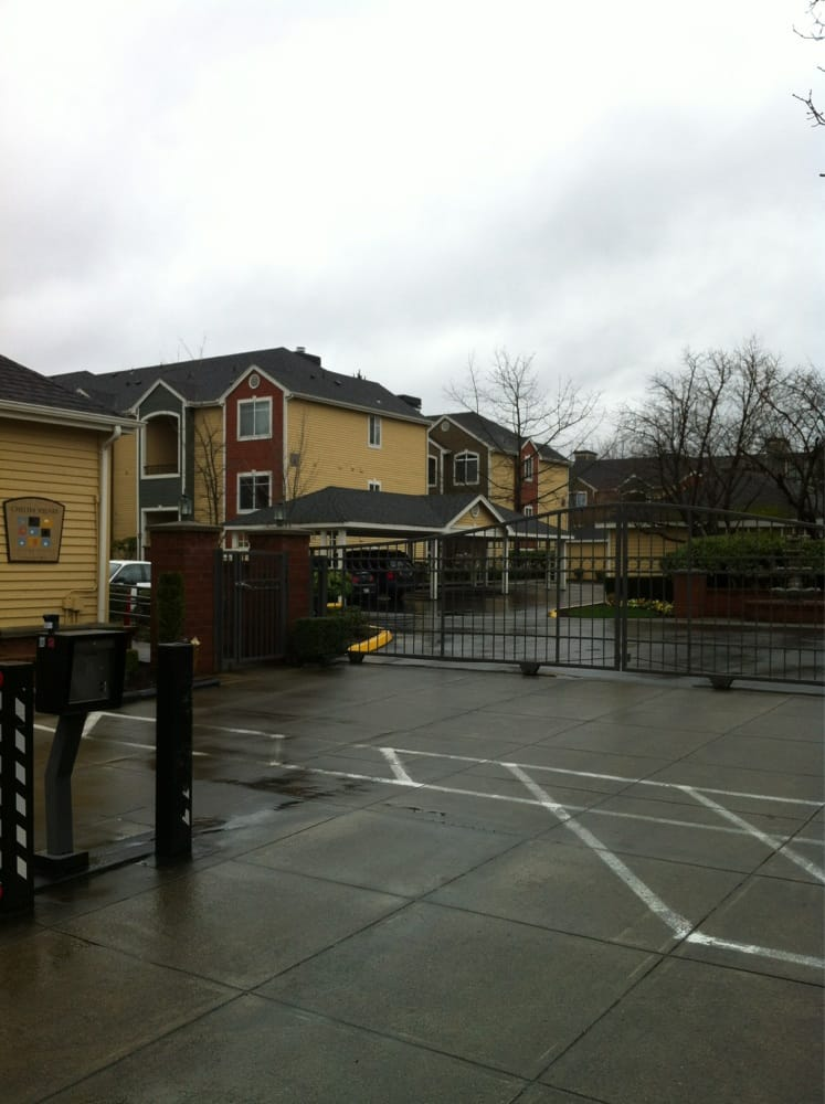 Chelsea Square Apartments Redmond