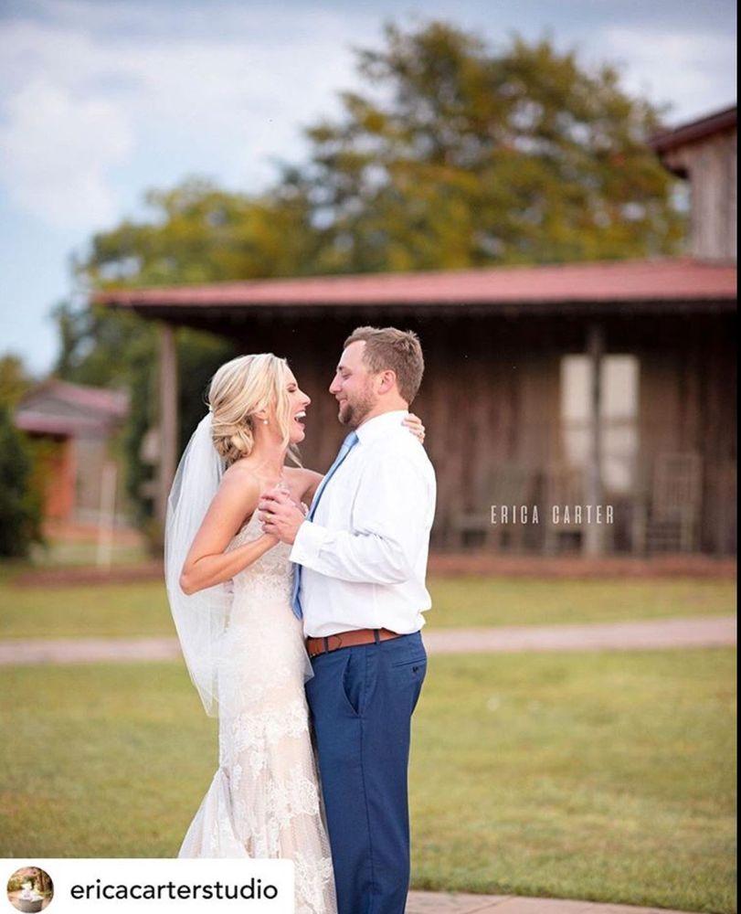 Jo-Lin's Bridal & Formal Wear: 7565 Saint Andrews Rd, Irmo, SC