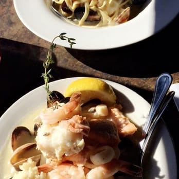 The athenian seafood restaurant and bar 626 photos 553 for Fish restaurant seattle
