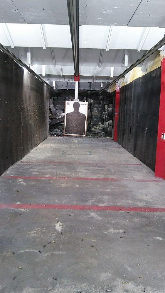 St Bernard Indoor Shooting Center: 212 Aycock St, Arabi, LA