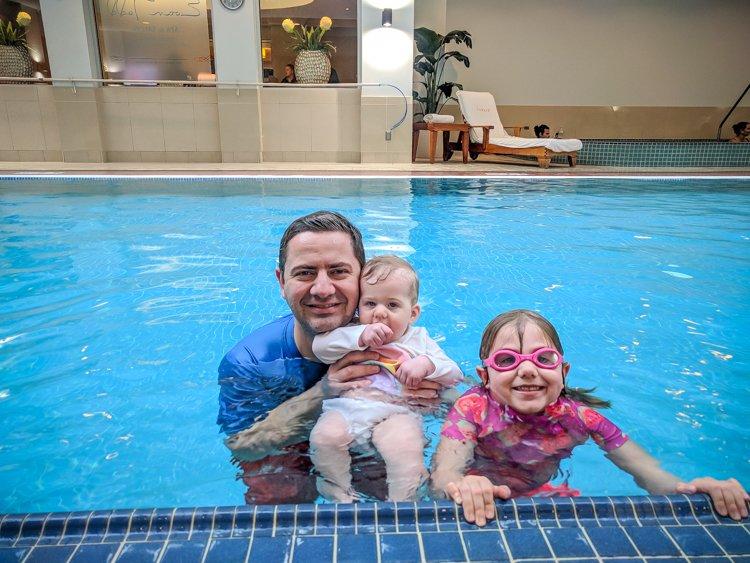 Hot mom in pool