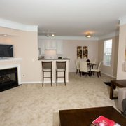 Chestnut Hill - 43 Photos - Apartments - 4610 Weatherford Ln ...