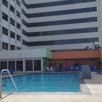 Harrah s reno casinos downtown reno nv united - Reno hotels with indoor swimming pool ...