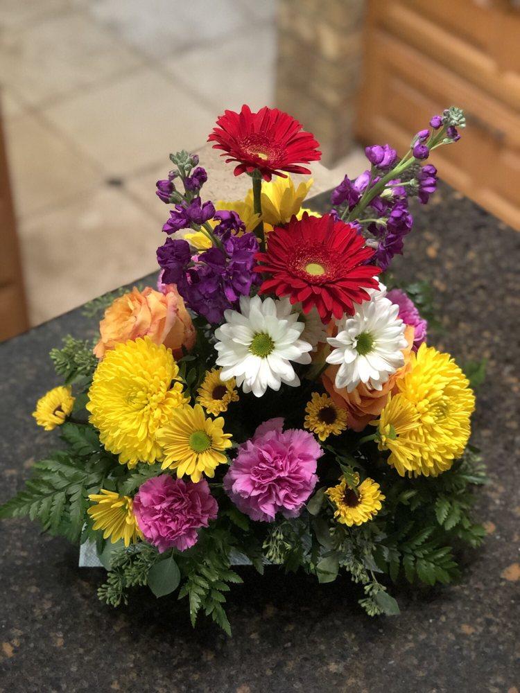 Cooper's Florist: 104 W Pipeline, Hurst, TX