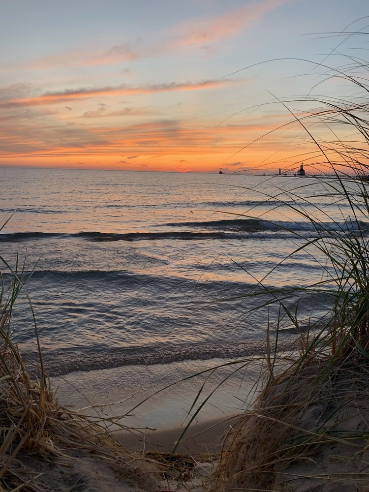 Silver Beach County Park: 101 Broad St, Saint Joseph, MI