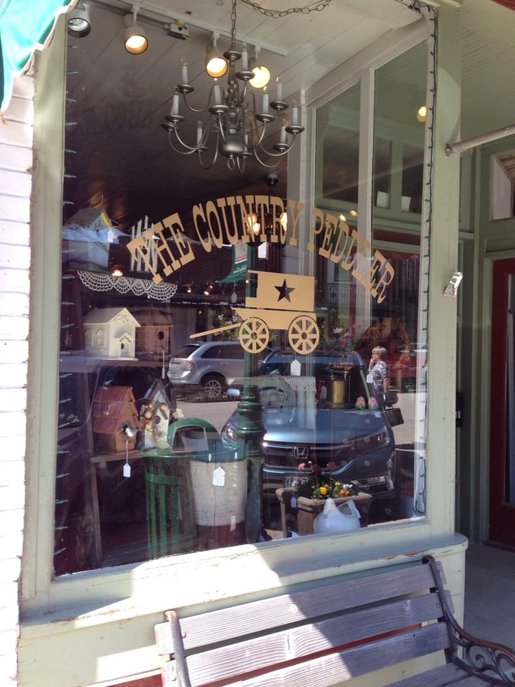 The Country Peddler: 511 Main St, Weston, MO