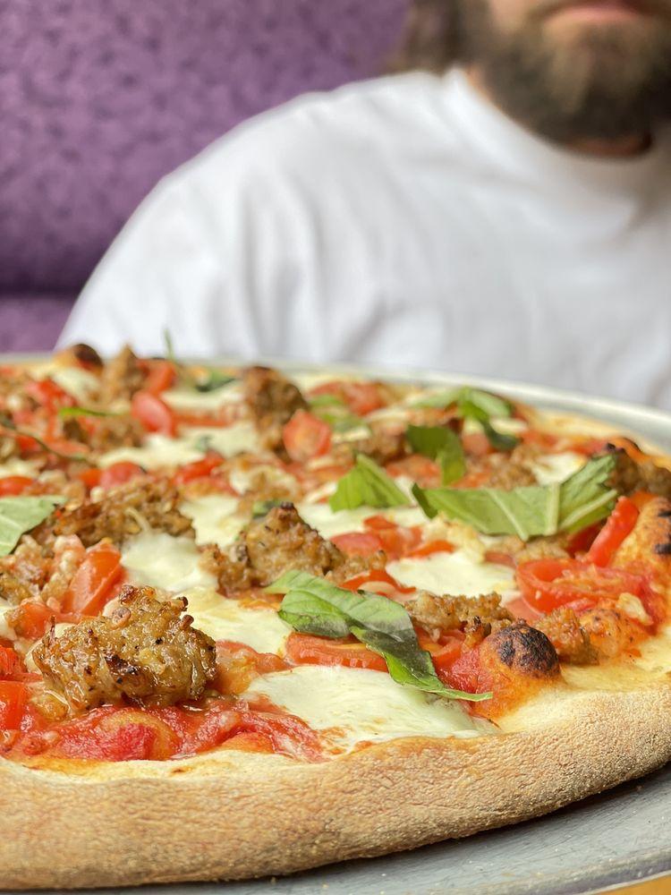 Local Myth Pizza: 122 S Emerson St, Chelan, WA