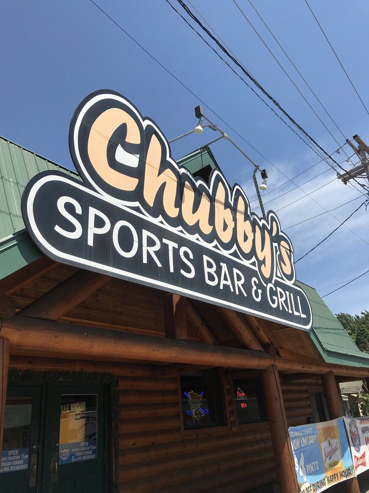 Chubbys Sports Bar & Grille: 515 8th Ave SE, Pine City, MN