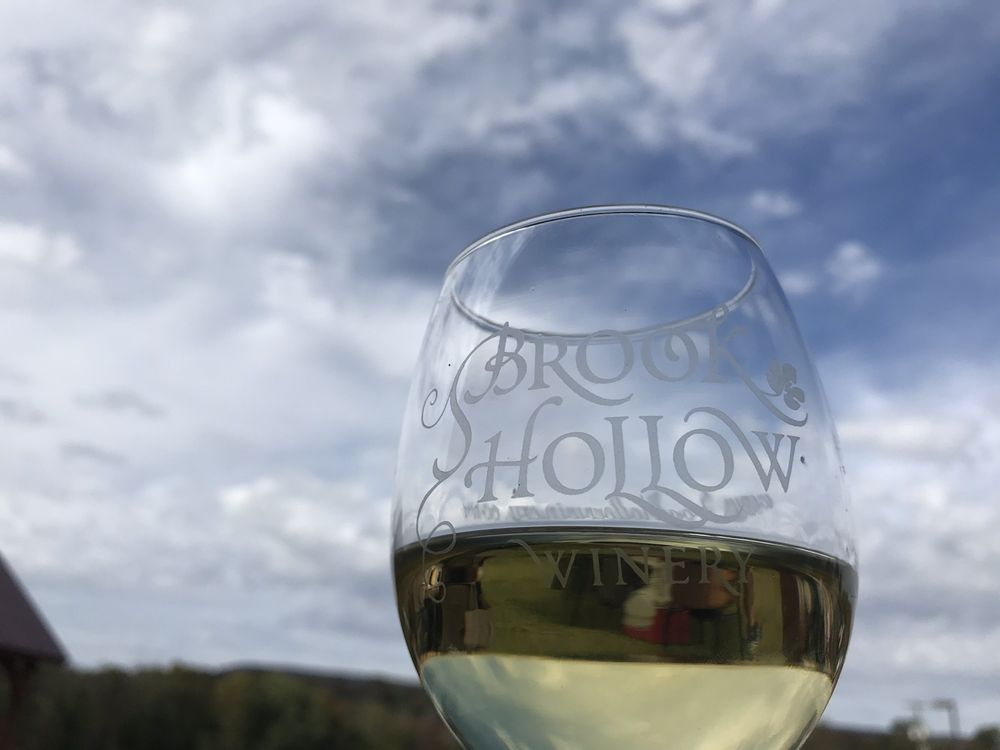 Brook Hollow Winery: 594 State Hwy 94, Columbia, NJ