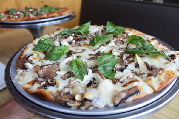 Whitecaps Pizza - 113 Photos & 227 Reviews - Pizza - 8290 N