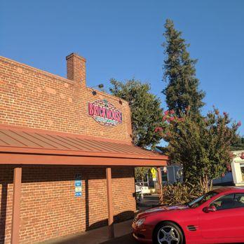 Brick house restaurant & lounge elk grove ca