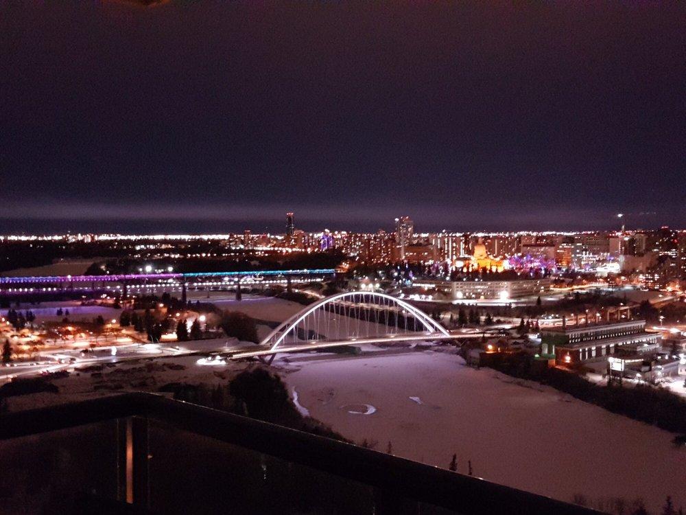 Walterdale Bridge: 105 Street NW, Edmonton, AB