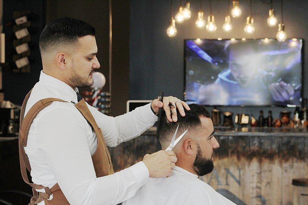 Man Parlor Barbershop: 9420 Griffin Rd, Cooper City, FL