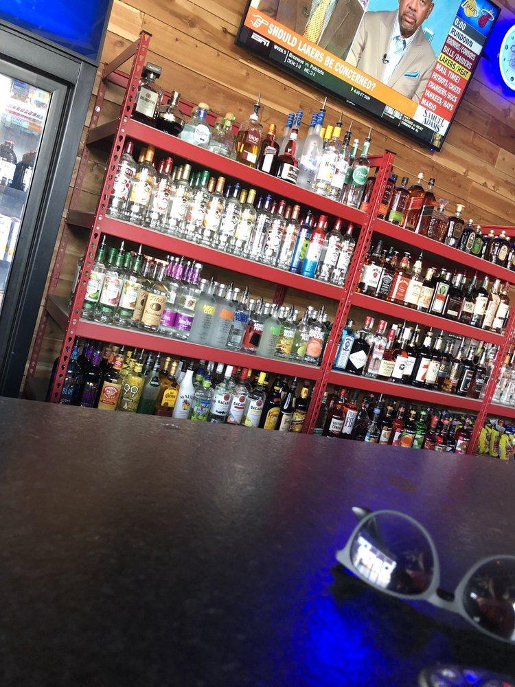 The Warehouse Pub: 10100 NW 62nd Ave, Johnston, IA