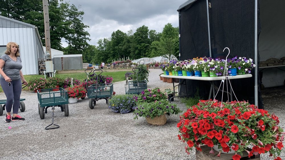 VanPelt's Fresh Produce: 4069 Unity Line Rd, New Waterford, OH