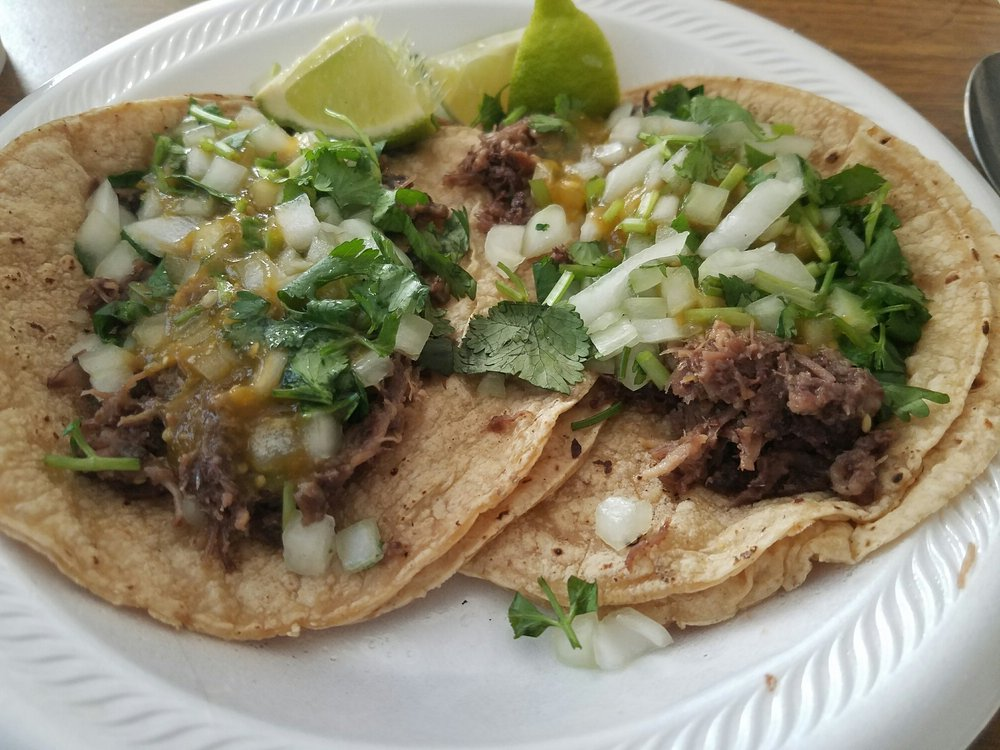 Tacos de La Cabeza El Torito: 3500 N Kimball Ave, Chicago, IL