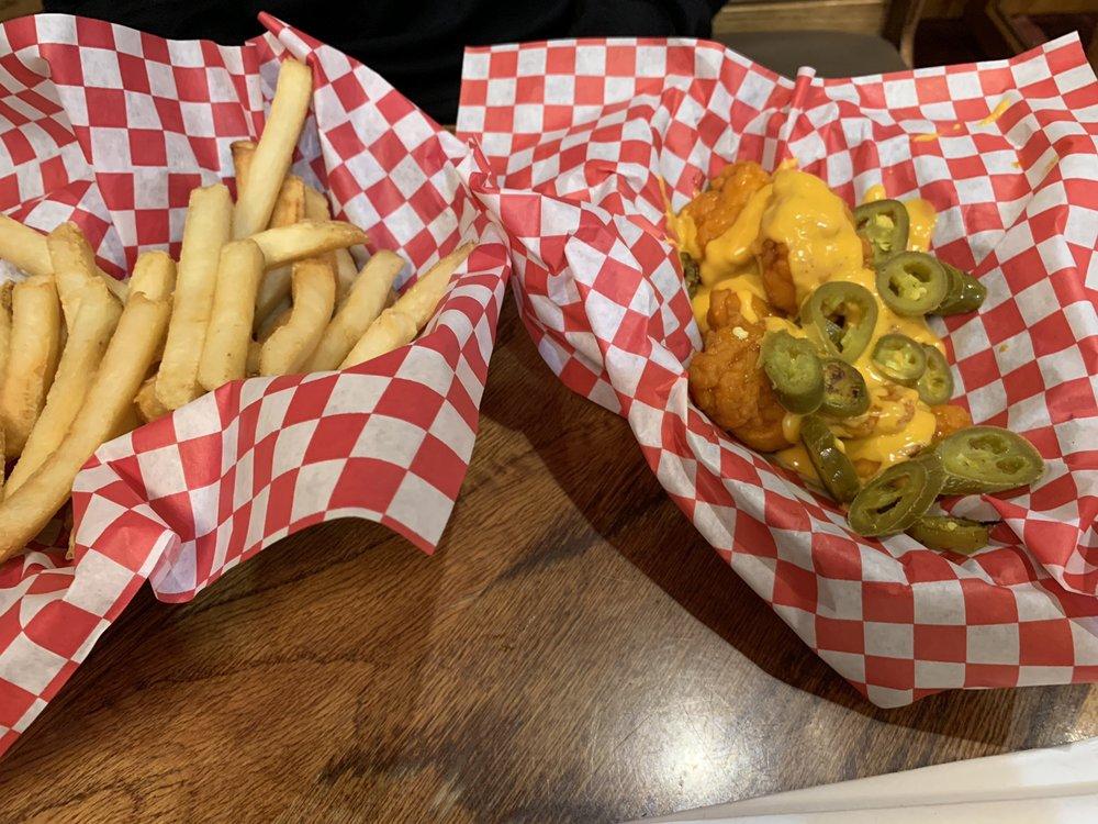 Bison Street Burgers & Brews: 1409 Bison St NW, Massillon, OH