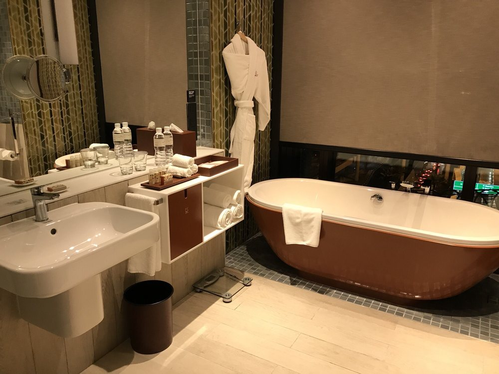 Crowne Plaza Hotel Changi Airport