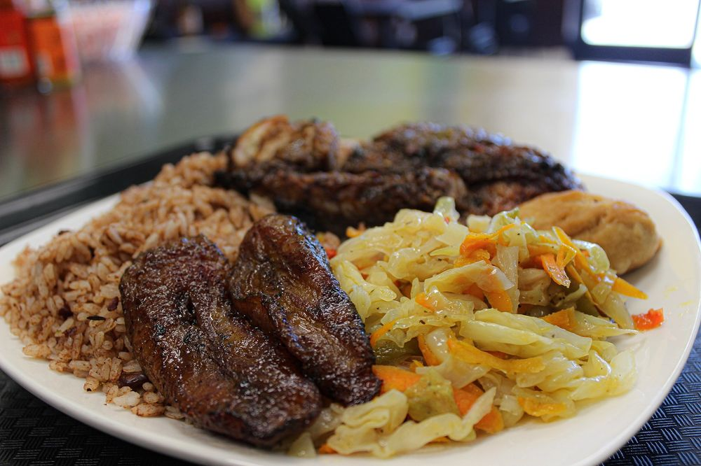 Country Style Jamaican Restaurant: 630 N La Brea Ave, Inglewood, CA