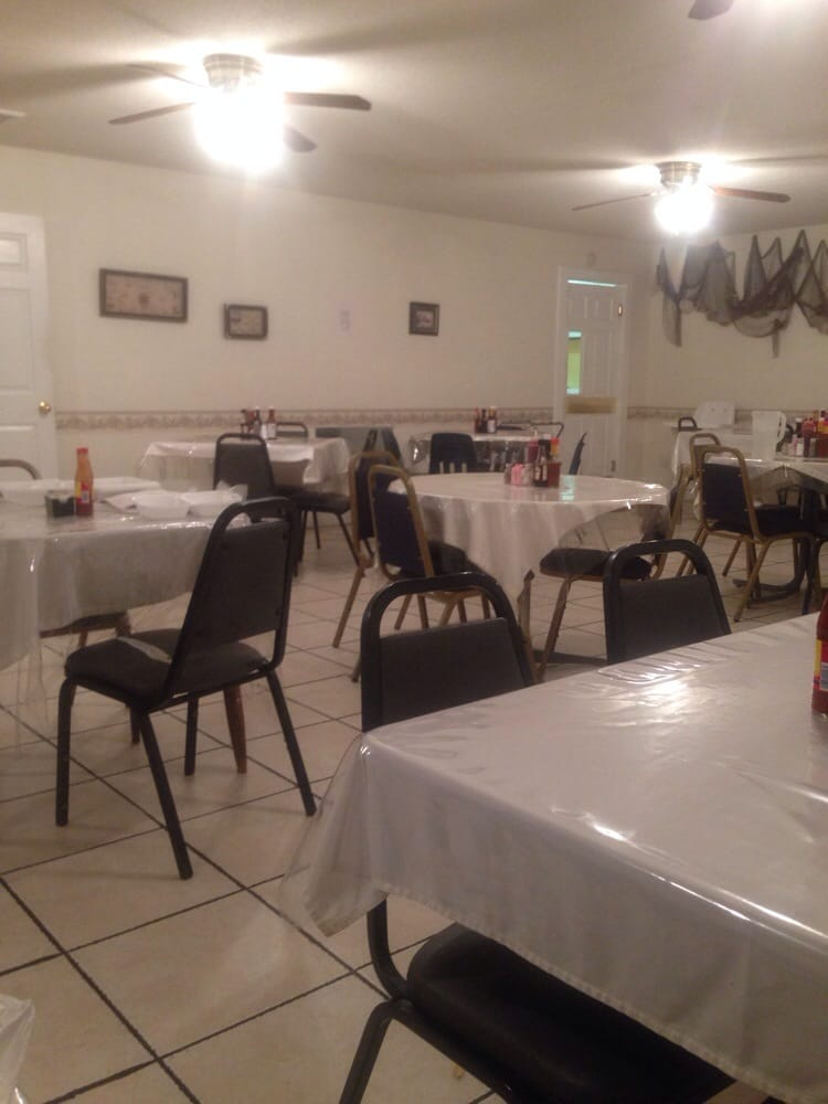 Yampertown Steak & Seafood: 5503 AL-129, Winfield, AL